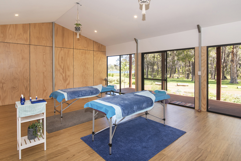 Full body massage will warm & loosen tight muscles & enhance overall wellbeing. Soothing & uplifting. Contact Simala Retreat today. Simala Retreat - Wellbeing Studio - Massage
